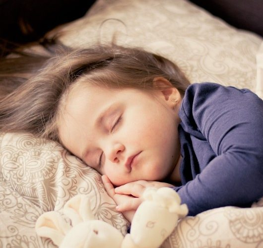 Mit tegyünk, ha nehezen alszik el a gyerek?