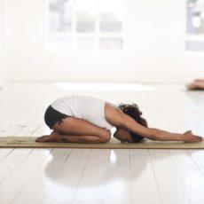 Esti jóga-szertartás a jobb alvásért
